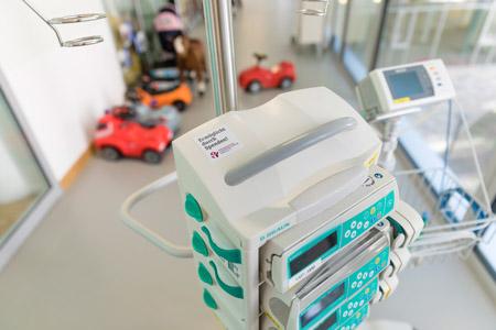 Medizinisches Gerät, finanziert durch Spendengelder.
