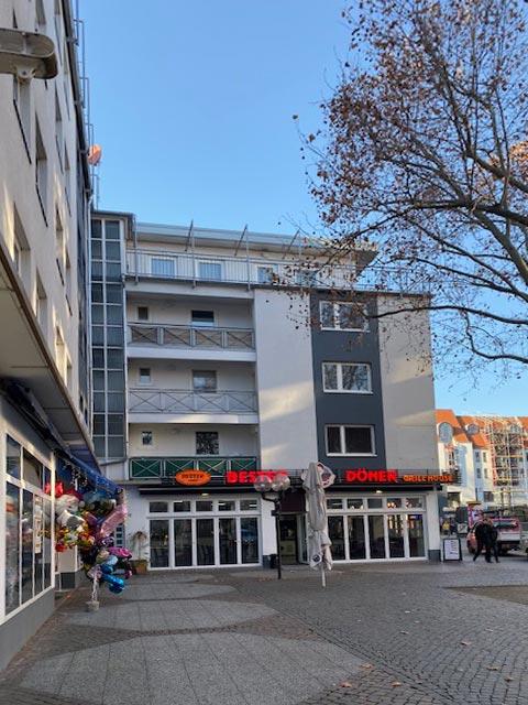 Immobilie Braunschweig Schild 2 - 3. Gewerbeflächen und Apartments.